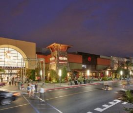 Los Cerritos Center